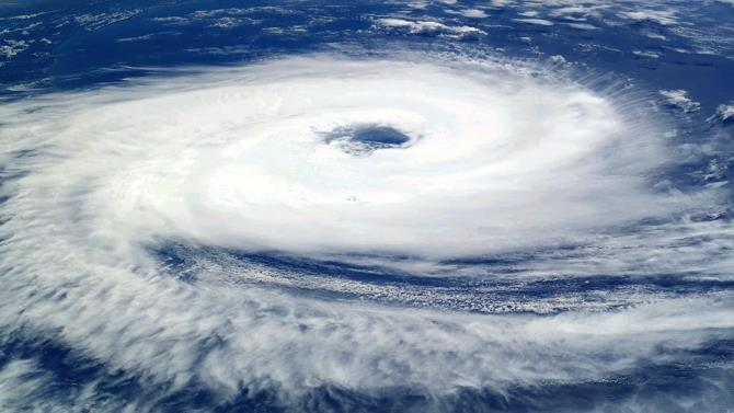циклон обрушився на Індію та Бангладеш