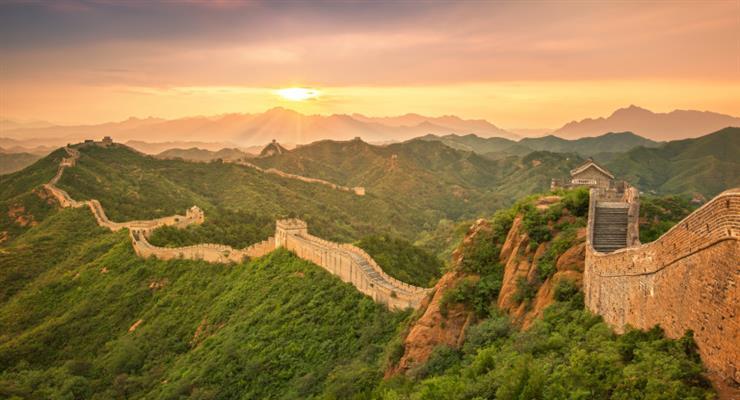 північна частина Великої китайської стіни була побудована не для того, щоб зупинити наступ армій