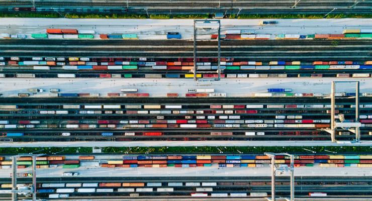в апреле Германии произошло серьезное снижение немецкого экспорта и импорта