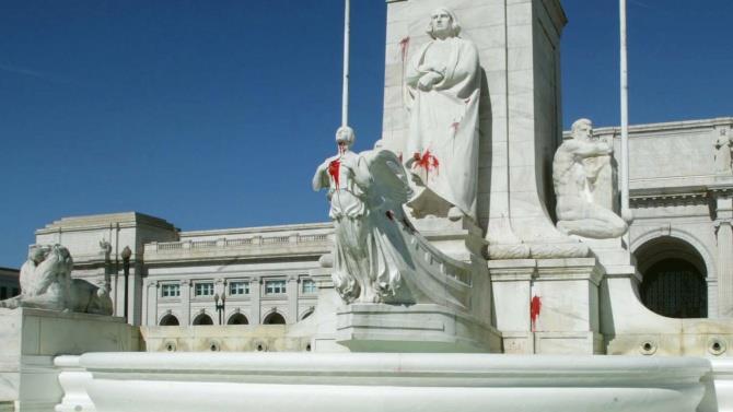 демонстранти зруйнували пам'ятник Христофору Колумбу в Річмонді