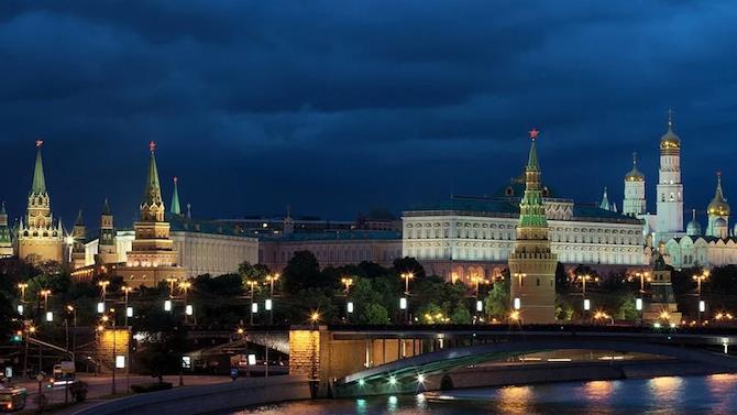 Кремль роздасть ваучери на покупки виборцям, які беруть участь в референдумі