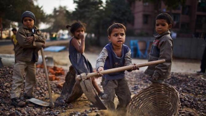 число працюючих дітей у віці від 5 до 15 років становить понад 170 мільйонів