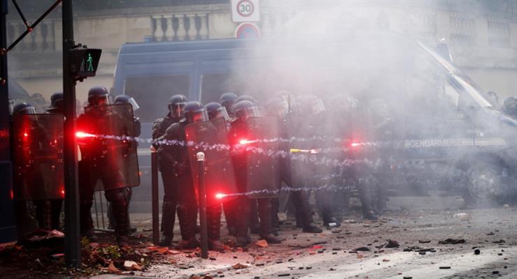 акція протесту медиків в Парижі