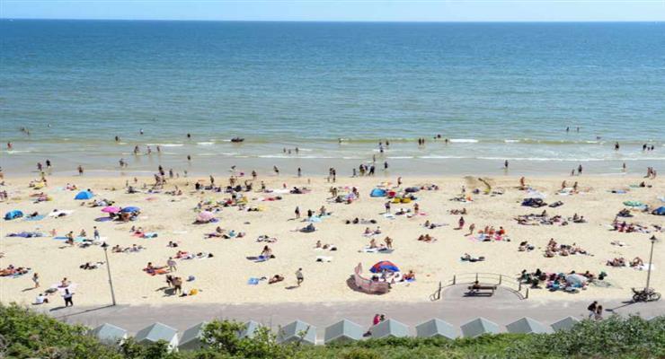 британці масово рвонули на пляжі