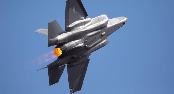 Япония покупает военные самолеты