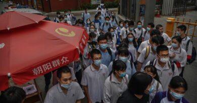 Гонконг закриває школи
