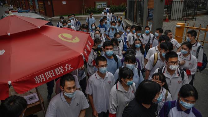 Гонконг закрывает школы