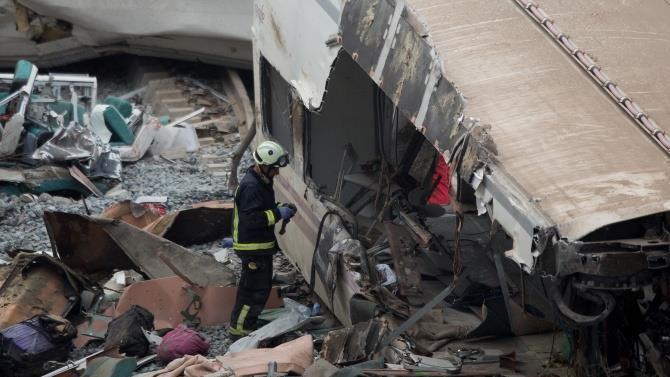 в результате железнодорожной аварии пострадали люди