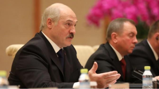 Лукашенко хочет лишить аккредитации некоторые СМИ