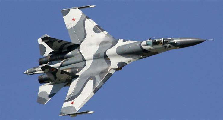 російський винищувач перехопив американського літака-розвідника