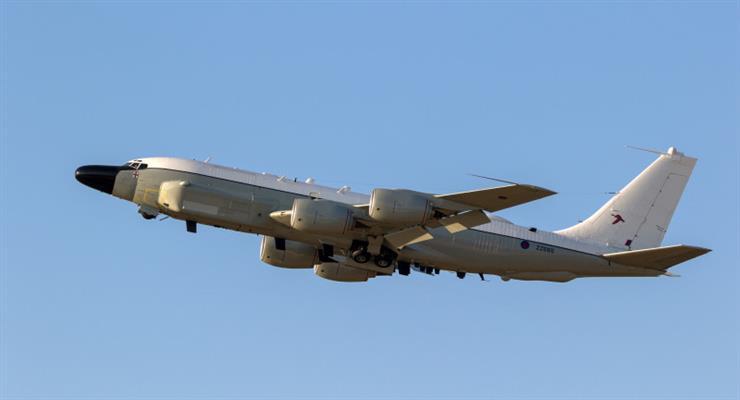 российский истребитель перехватил 2 самолета США