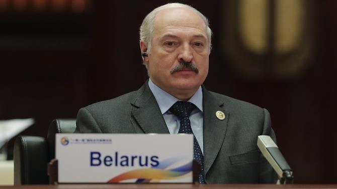 Лукашенко заявив, що у них не бракує коштів