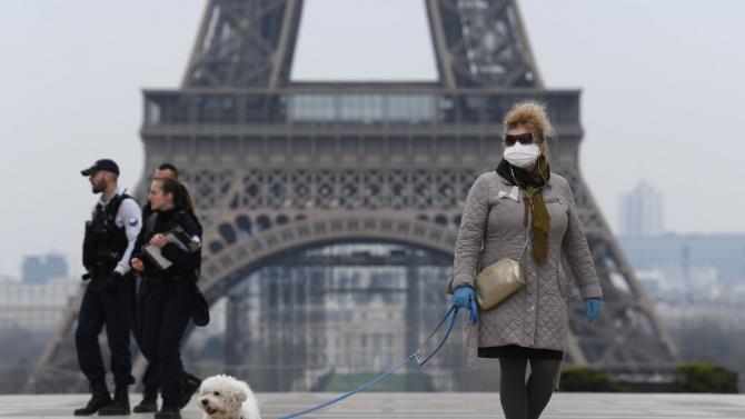 Франція вводить обов'язкове носіння масок