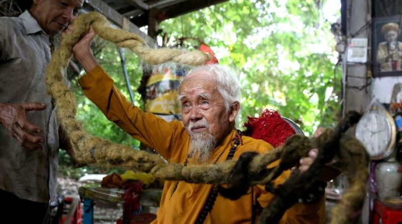 в'єтнамець відростив волосся довжиною 5 метрів