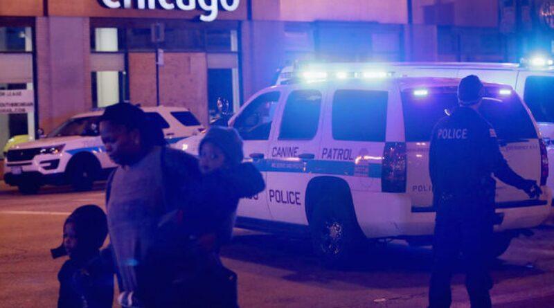 Более 100 человек арестованы после ограблений и беспорядков в центре Чикаго