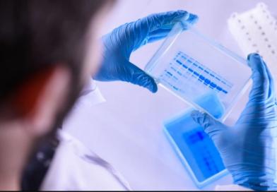 Париж і Марсель оголошені зонами підвищеного ризику коронавируса