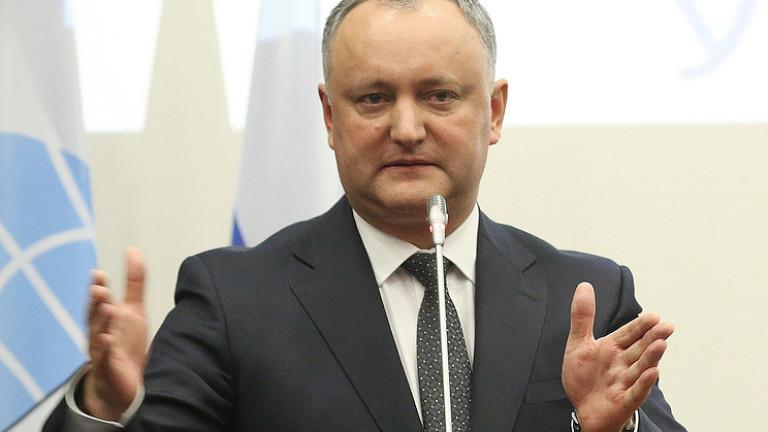 Президент Молдови готовий першим випробувати російську вакцину проти COVID-19
