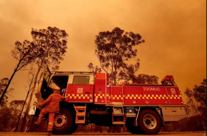 Ціле місто було евакуйовано через лісову пожежу в Канаді