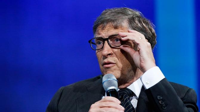 Білл Гейтс повідомив, коли закінчиться COVID-19