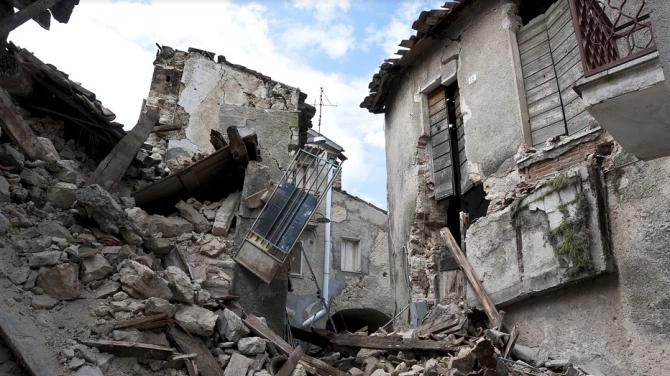 Два сильні землетруси в Індонезії