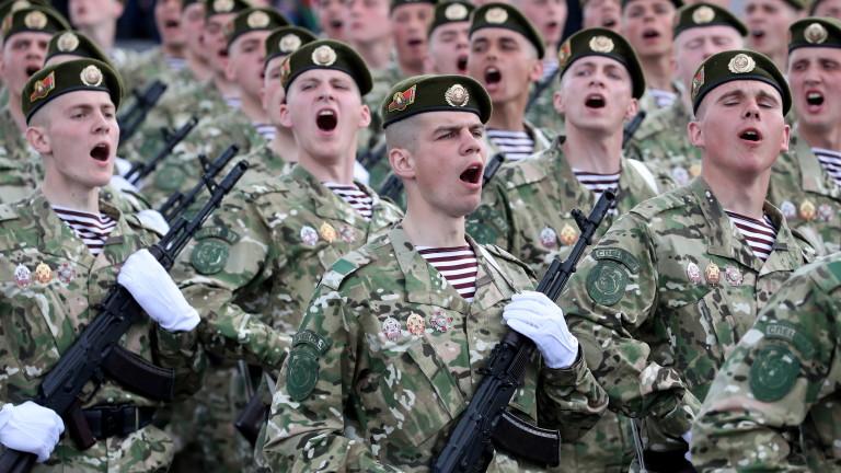 БеларуБілорусь почала військові навчання у свого західного кордонусь начала военные учения у своей западной границы
