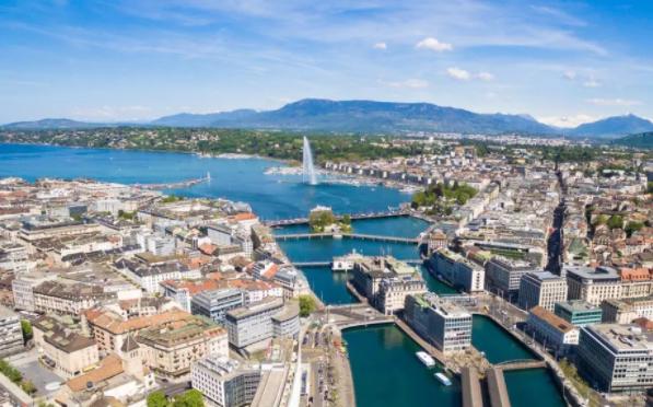 Женева пропонує туристам гроші на кишенькові витрати