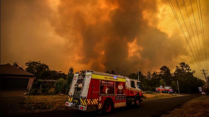 Австралія бореться з першою великою лісовою пожежею в сезоні