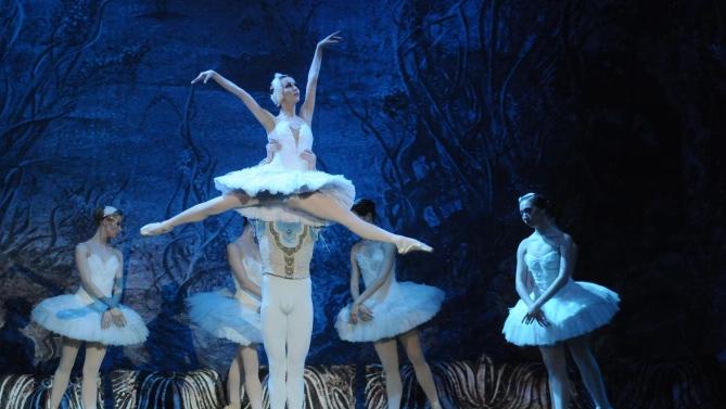 30 танцюристів Маріїнського театру заразилися COVID-19