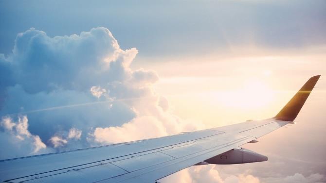 з завтрашнього дня Польща заборонить прямі рейси з 44 країн