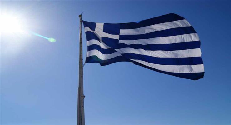 в Албанії був підпалений прапор Греції