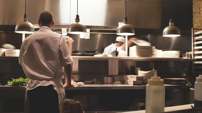 в Нью-Йорку скоро відкриються ресторани