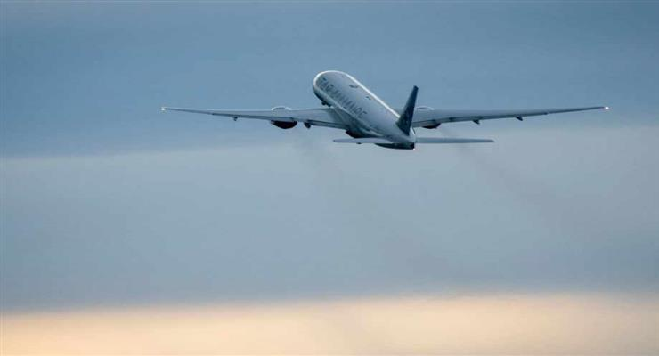 пасажира без маски зняли з літака
