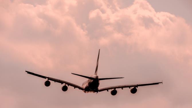 влада В'єтнаму дозволили невелику кількість міжнародних рейсів