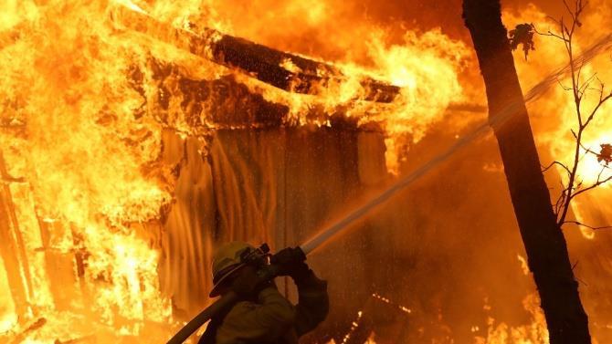 в Анконі вирує пожежа