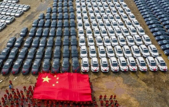китайська компанія подарувала кожному співробітнику по машині