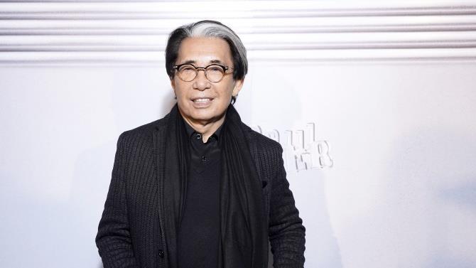 помер модельєр Кензо Такада