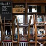 У Парижі закриваються бари