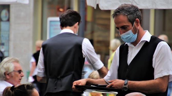 разработана систему цифровой регистрации посетителей ресторанов