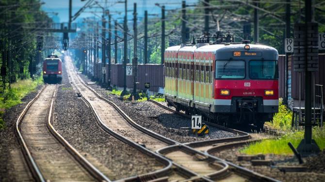 потяг наїхав на мігрантів
