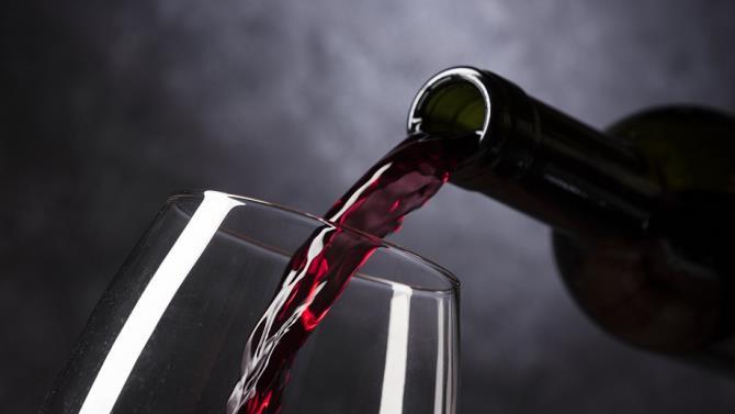 шахраї підробляли дороге італійське вино