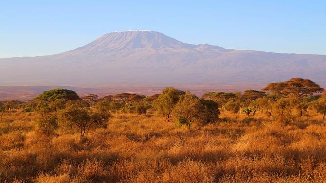 евакуація туристів з Кіліманджаро