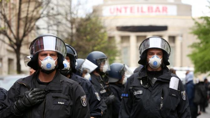 в Германии полиция будет следить за соблюдением мер предосторожности