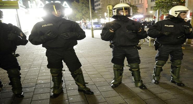 напад на поліцію