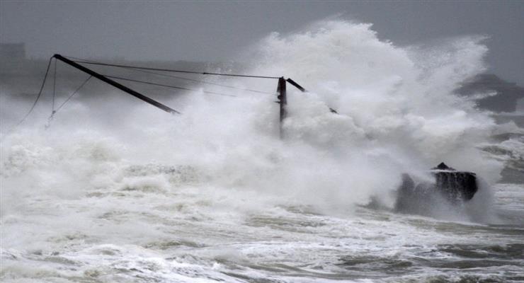 сильний ураган наближається до Америки