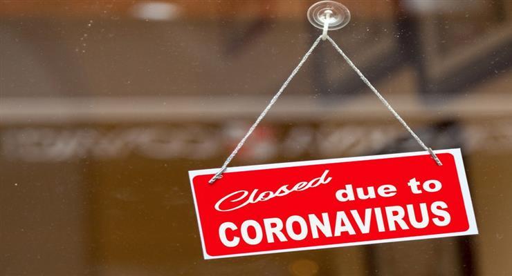 протесты вспыхнули из-за введенных властями новых мер по ограничению COVID-19
