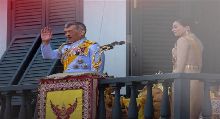 тайський король не може керувати країною з Німеччини