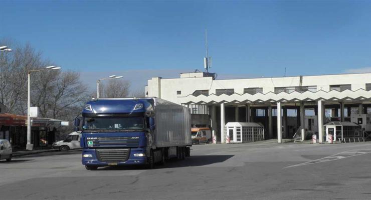 тимчасово припиняються експрес-тести на COVID-19 водіїв вантажівок