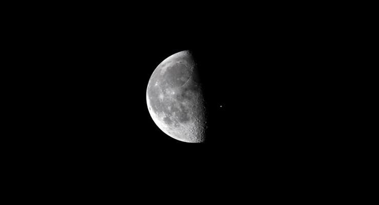 очікується посадка китайського супутника на Місяць