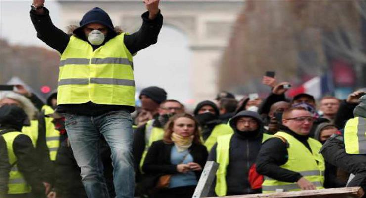 """активистка протестов """"желтых жилетов"""" намерена баллотироваться в президенты Франции"""
