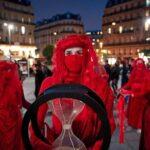 Активісти в Парижі закликали до дій по боротьбі зі зміною клімату через п'ять років після Паризької угоди